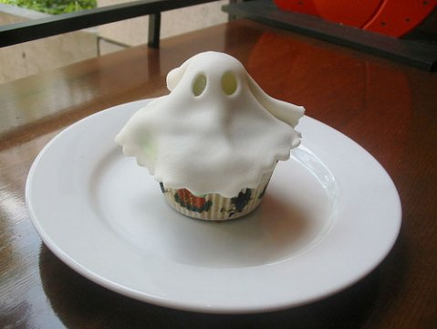 potd-ghostcupcake.jpg